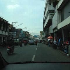 Photo taken at Jalan Otto Iskandardinata by fendy on 10/30/2012