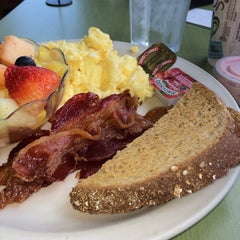 Photo taken at McKinley's Bakery & Cafe by Leslie on 7/7/2014