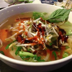 Photo taken at Pho Real Vietnamese Restaurant by S Kehinde on 3/9/2013