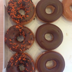 Photo taken at Krispy Kreme Doughnuts by Hannah W. on 10/19/2012