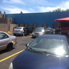 Photo taken at Mister Car Wash by 🇺🇸K G. on 6/13/2014