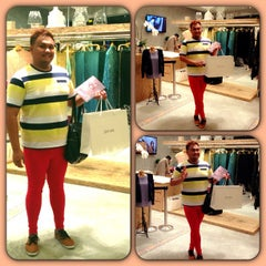 Photo taken at Jovian Mandagie Designer Boutique by Gzul Yusof on 7/11/2013