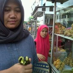 Photo taken at Rujak Aceh Garuda by Sari M. on 7/27/2013