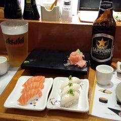 Photo taken at Minato Japanese Restaurant by Lola C. on 8/23/2014