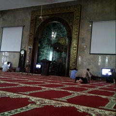 Photo taken at Masjid Agung Sunda Kelapa by alsa a. on 7/17/2013