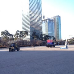 Photo taken at 여의도공원 문화의 마당 (Yeouido Park Culture Square) by jong-won j. on 2/4/2014
