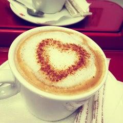 Photo taken at Dolce Vita by Mila U. on 10/31/2012