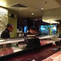 Photo taken at Doraku Sushi by Rob K. on 11/15/2012