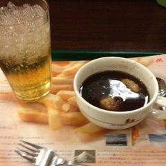 Photo taken at モスバーガー 北24条店 by 田脇 正. on 1/4/2013