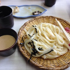 Photo taken at 手打うむどん 始祖 清水屋 by かっぱ on 4/21/2014