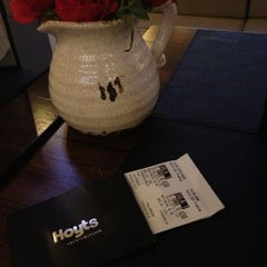 Photo taken at Hoyts Premium Class by Jime C. on 6/25/2013