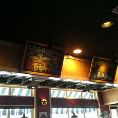 Photo taken at Chili's Grill & Bar by Teddy R. on 6/27/2013