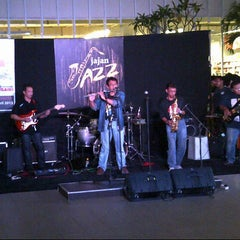 Photo taken at Jajan Jazz - Teras Kota by anggi v. on 4/26/2013