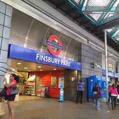 Photo taken at Finsbury Park Railway Station (FPK) by Celina Martins (. on 8/25/2012