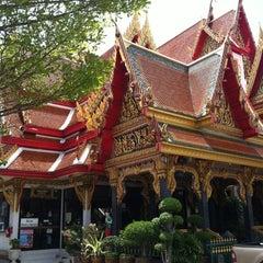 Photo taken at วัดเทพลีลา พระอารามหลวง (Wat Thep Leela) by Nakorn C. on 5/19/2012