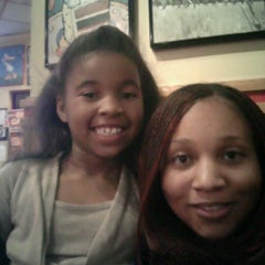 Photo taken at Red Robin Gourmet Burgers by Danielle P. on 2/5/2012