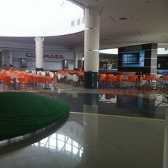 Photo taken at Open Plaza Angamos by José C. on 8/4/2011