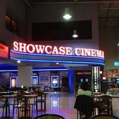 Photo taken at Showcase Belgrano by Tomakio on 4/23/2012