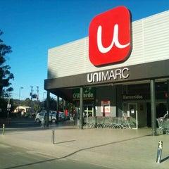 Photo taken at Unimarc Curauma by Wladimir S. on 1/25/2012