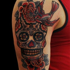 Photo taken at Calavera Tattoo Arte Estilo by Calavera T. on 7/11/2012