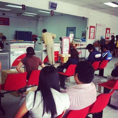 Photo taken at ไปรษณีย์ ลาดพร้าว (Lat Phrao Post Office) by Choon A. on 8/8/2012