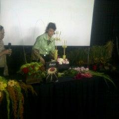 Photo taken at Indonesia Social Media Festival 2011 (SocMedFest) by Ike Dahlia C. on 9/22/2011