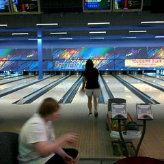 Photo taken at Brunswick Zone XL - Brooklyn Park by Richard M. on 9/2/2012
