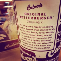 Photo taken at Culver's by Chee Yi O. on 8/21/2012
