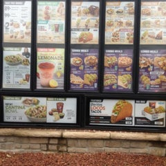 Photo taken at Taco Bell by Bashar A. on 8/5/2012