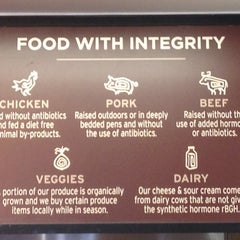 Photo taken at Chipotle Mexican Grill by Jaime V. on 7/23/2012