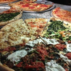 Photo taken at Frantoni's Pizzeria & Ristorante by Princess A. on 4/7/2012