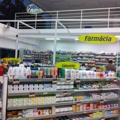 Photo taken at Farmácias e Drogarias Nissei by Nehi O. on 3/30/2012