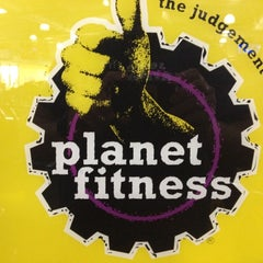 Photo taken at Planet Fitness by Howard K. on 8/8/2012