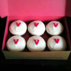 Photo taken at Sprinkles Cupcakes by Ankeet S. on 8/24/2012