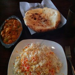 Photo taken at Naan-N-Curry by Katrin on 9/5/2012