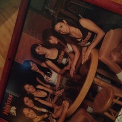 Photo taken at Hooters by Memocho on 8/1/2012