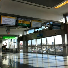 Photo taken at JFK AirTrain - Federal Circle Station by Vinicius S. on 3/7/2012