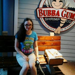 Photo taken at Bubba Gump Shrimp Co. by Denise B. on 6/21/2012