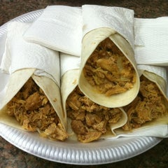 Photo taken at El Cantiflas Taco Place by Luis A. on 8/13/2012
