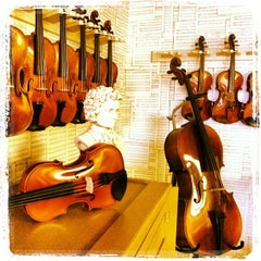 Photo taken at Becker Fine Stringed Instruments by Cory K. on 8/17/2013