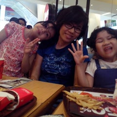 Photo taken at Wendy's by Khalid D. on 4/13/2014