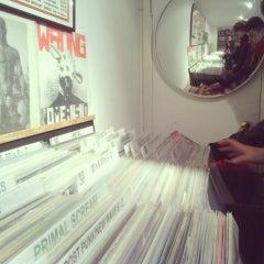 Das Foto wurde bei Rough Trade Records (West) von Lorena G. am 4/11/2013 aufgenommen
