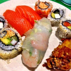 Photo taken at Hibachi Grill & Supreme Buffet by Vanessa G. on 9/19/2014