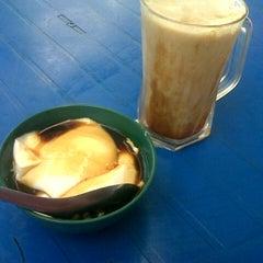 Photo taken at Kampung Bengali Soya Bean by Alif S. on 2/27/2014