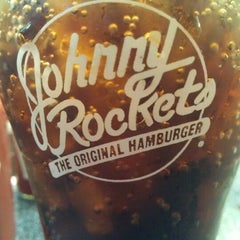 Photo taken at Johnny Rockets by Lorelei O. on 10/28/2012
