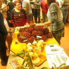 Photo taken at Mercadillo del Agricultor de La Matanza by Arte G. on 11/24/2013