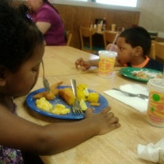 Photo taken at Golden Corral by Hiilani A. on 2/14/2013