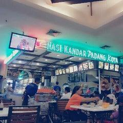 Photo taken at Nasi Kandar Padang Kota by Sharoll S. on 5/7/2013