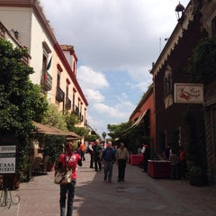 Photo taken at San Pedro Tlaquepaque by Diana L. on 10/12/2013