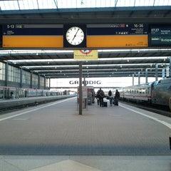 Photo taken at München Hauptbahnhof by Florian E. on 3/16/2013